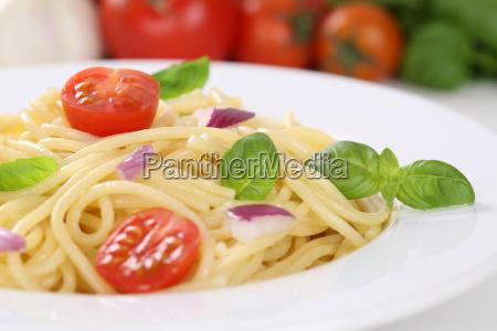 spaghetti pasta pasta with tomato and