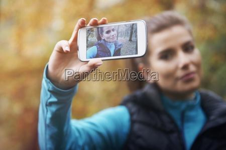 selfie sozialen netzwerken von morgens joggenrr