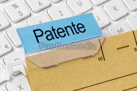 akte mit der beschriftung patente