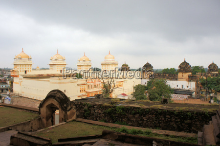 weisser hindu tempel orchha indien