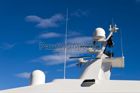 kommunikationsmast auf der yacht