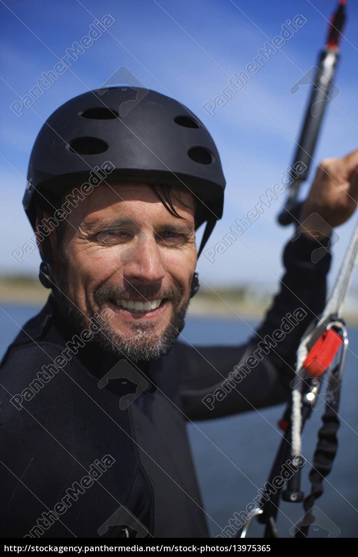 kitesurfer, der, um, die, 40er, jahre, herum - 13975365