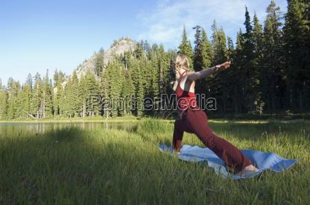 frau gesundheit farbe entspannung weiblich sonnenaufgang