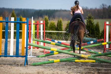 donna cavallo saltare balzare saltellare salta