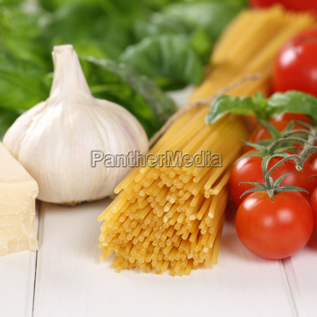ingredients for spaghetti pasta noodles eat