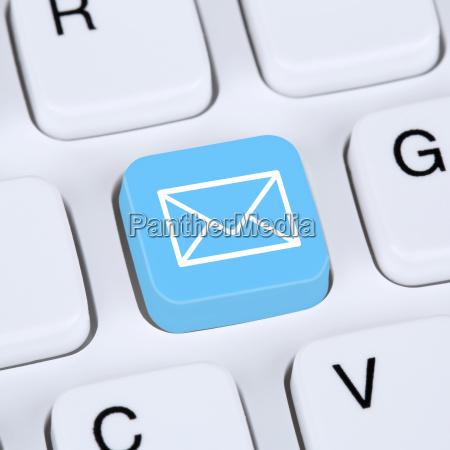 internet konzept e mail oder email