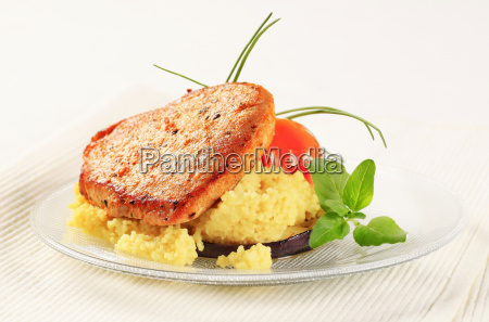 mariniertes schweinefleisch mit couscous