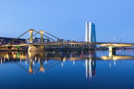 neue europaeische zentralbank ezb und fluss