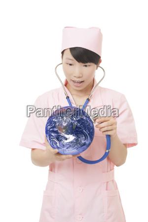 chinesische krankenschwester die gesundheit der erde