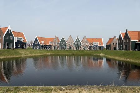 urlaub urlaubszeit ferien bungalow baustil architektur
