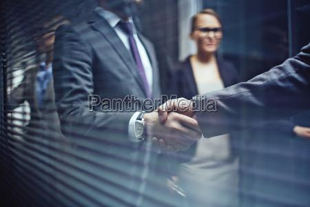 handshaking mit partner