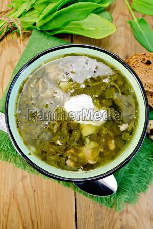 suppengruen sauerampfer und spinat mit sauerrahm