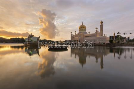 sultan omar ali saifuddien moschee in