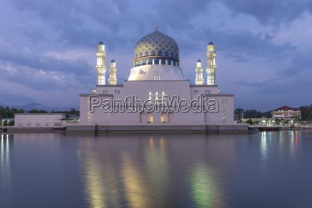 masjid bandaraya in kota kinabalu malaysia