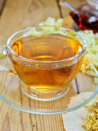 tea from meadowsweet in cup and