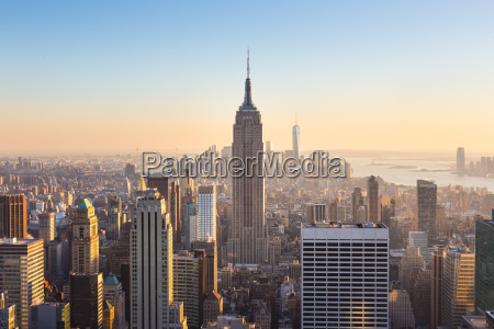 new york city manhattan skyline in