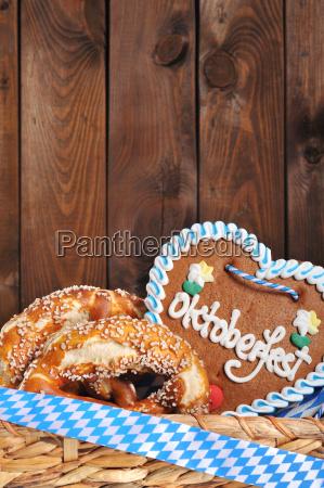 bayerisches oktoberfest lebkuchenherz