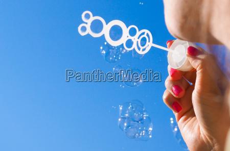 frau weiblich handpflege weibchen nagelpflege manikuere