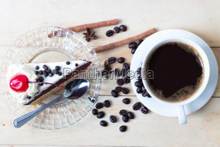kaffee und kuchen suessigkeiten dessert auf