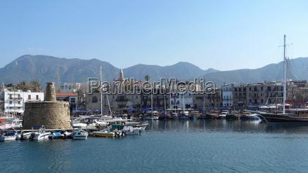 hafen von girne in nord zypern
