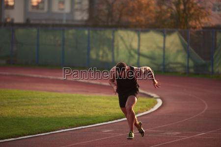 athletischer mann anfang