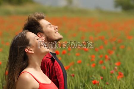 persone popolare uomo umano respiro contento