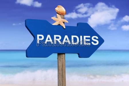 paradies mit strand und meer in