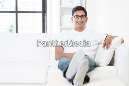 stattlicher indischer maennliches portrait