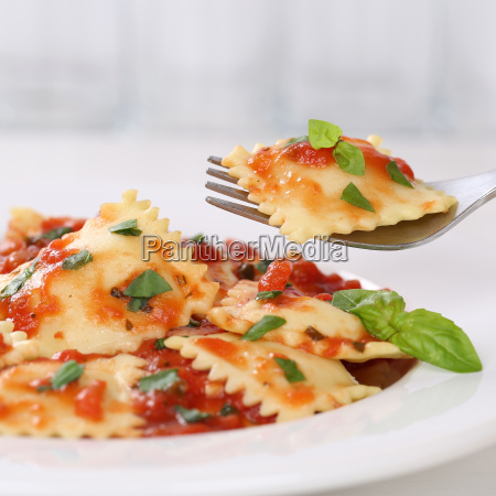italian cuisine ravioli with tomato sauce