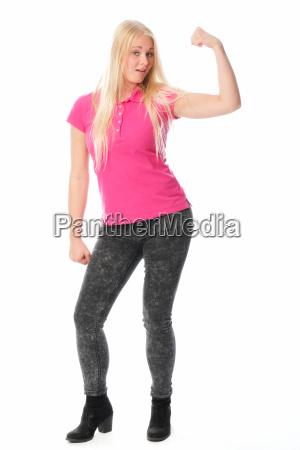 young woman showing iihre muckis