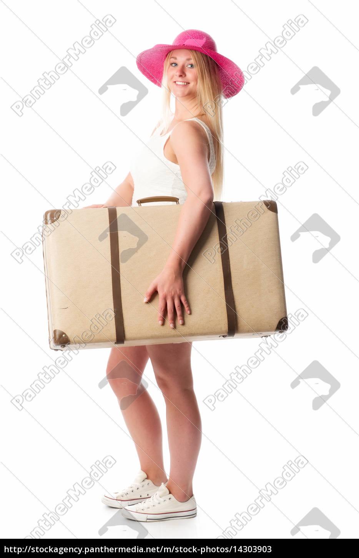 mädchen, mit, strohhut, trägt, einen, koffer - 14303903