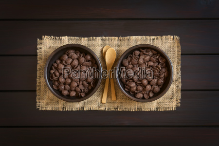 chocolate corn flakes breakfast cereal