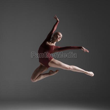 donna movimento in movimento bello bella