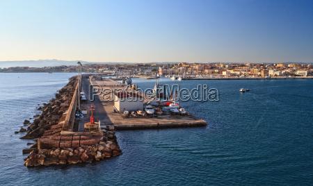 sardinien hafen in porto torres