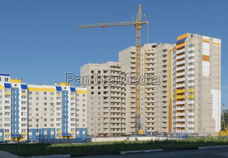 der bau eines neuen hochhaus