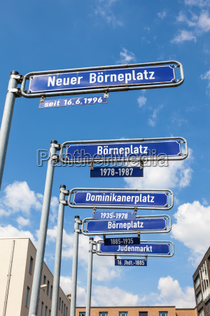 strassenschilder in der stadt frankfurt am