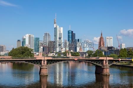 skyline von frankfurt am main hessen