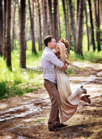 romantico nozze matrimonio convivenza baciare bacio