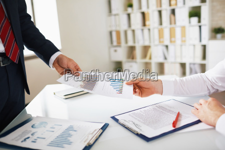 giving report to boss