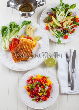 salsa salad with grilled cheese