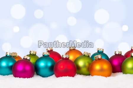 weihnachtskarte weihnachten viele bunte weihnachtskugeln mit