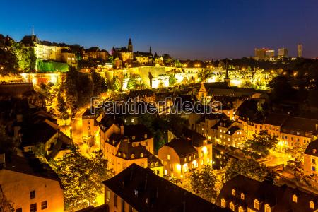 luxemburg stadt innenstadt daemmerung