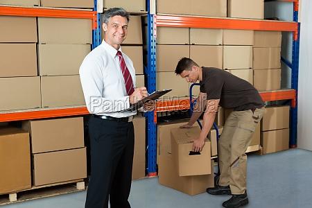 packung werk fabrik fertigungsanlage anfuehrer fuehrer