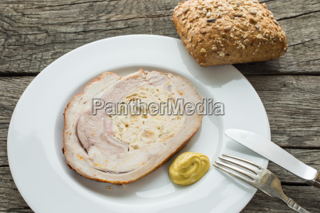stuffed veal breast with bread