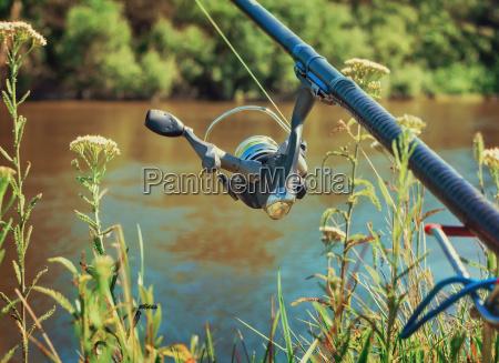 feeder englische angelausruestung zum fischfang