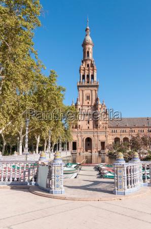 tower of the plaza de espana