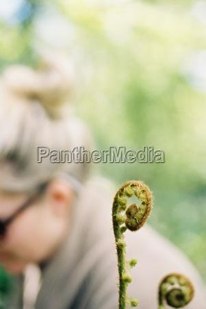 frau frauen weiblich flora europa outdoor