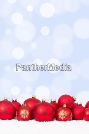 weihnachten motiv viele rote weihnachtskugeln mit