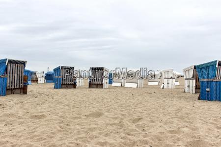 blue and white beach chair on