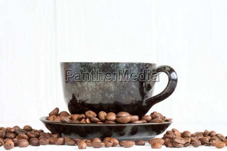 kaffeetasse auf einem weissen hintergrund mit